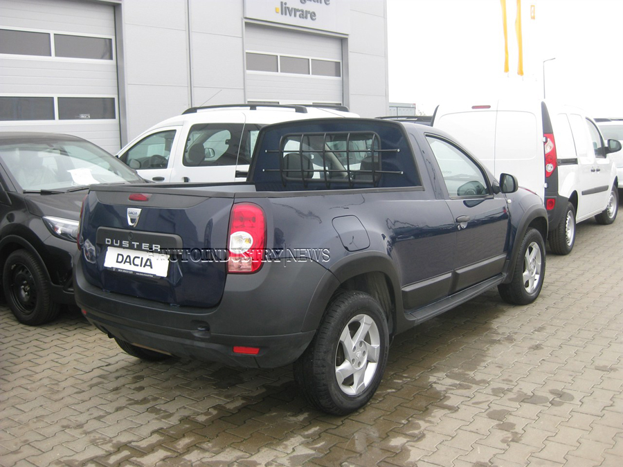 exclusiv prima dacia duster pick up a fost construit deja n rom nia auto industry news. Black Bedroom Furniture Sets. Home Design Ideas