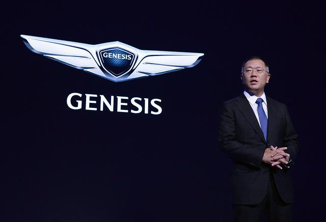 Hyundai anunţă un nou brand de lux: Genesis